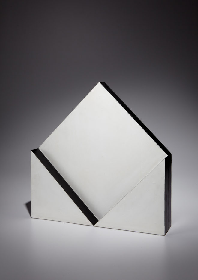 Lygia Pape, Escultura, acrylic on wood, 19 3/4 x 19 3/4 x 4 1/4 in. (50.2 x 50.2 x 10.8 cm). Executed in 1965. Estimate: $400,000 - 600,000
